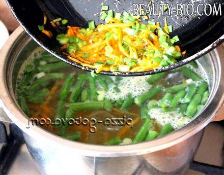 Фото - моркву і цибулю дієтичний суп