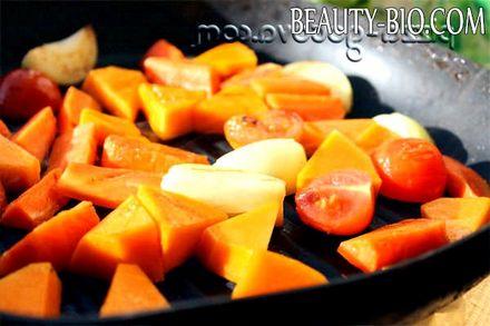 Фото - обсмажуємо овочі на сковороді