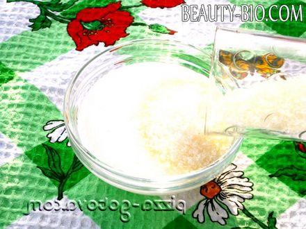 Фото - додати цукор в сметану
