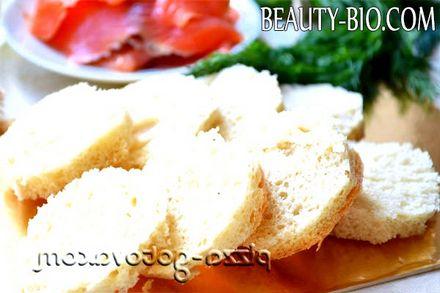 Фото - нарізаємо хліб
