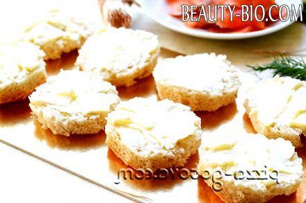 Фото - намазати хліб маслом
