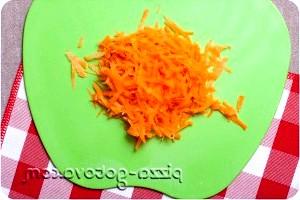 Фото - морква трьом на тертці