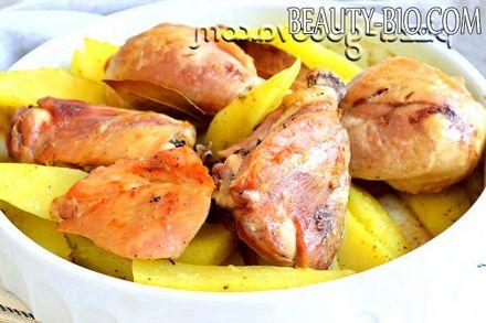 Фото - рецепт запеченої картоплі з куркою