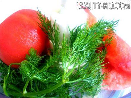 Фото - подрібнюємо помідори в блендері