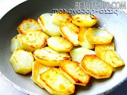 Фото - обсмажити картоплю в маслі