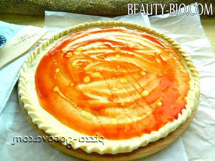 Фото - помазати томатним соусом