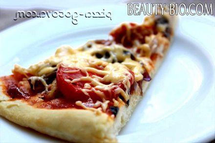 Фото - смачна піца з куркою і грибами