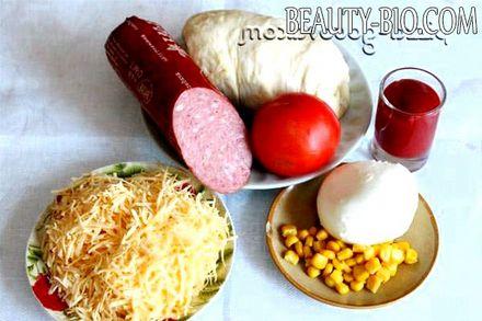 Фото - моцарела, помідори, салямі