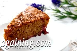 Фото - шматочок пирога з полуницею