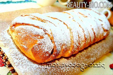 Фото - пиріг із сиром та яблуками
