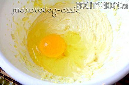 Фото - додати масло і яйце