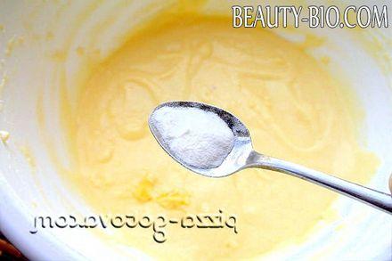 Фото - додати соду в тісто