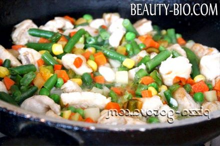 Фото - М'ясо тушковане з овочами