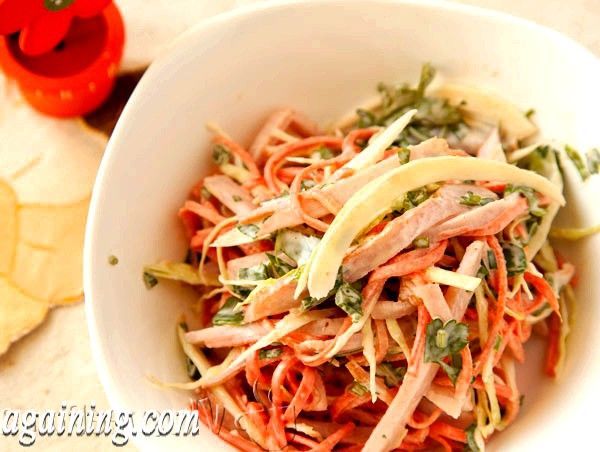Фото - салат з шинкою і корейською морквою