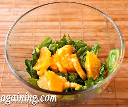 Фото - очищені апельсини нарізаємо