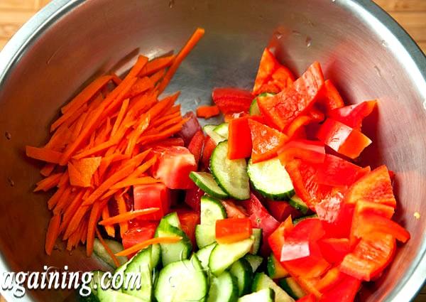 Фото - моркву нарізаємо соломкою