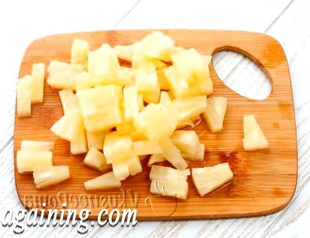 Фото - ананас ріжемо кубиками