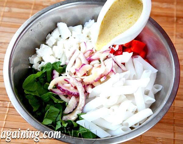 Фото - всі інгредієнти заливаємо соусом