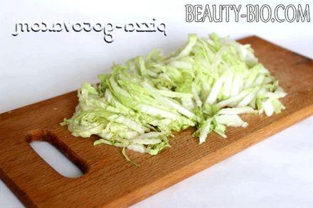 Фото - нарізана пекінська капуста