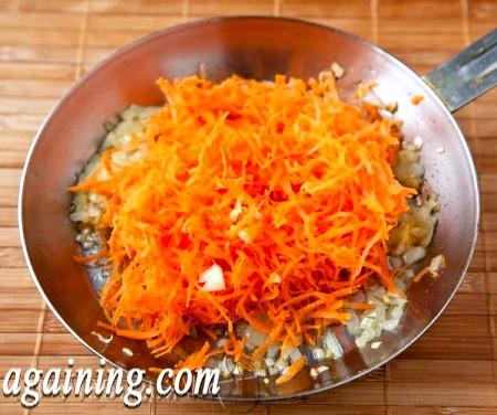 Фото - готуємо зажарку з цибулі і моркви