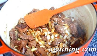 Фото: Картошка тушкована з яловичиною