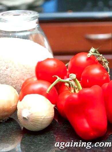 Фото: Суп з помідорів і болгарських перців