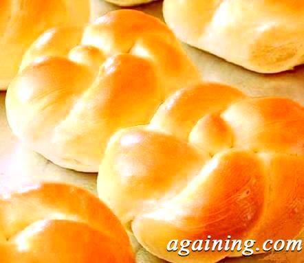 Фото: Готові випечені булочки