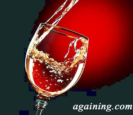 Фото: бокал ігристого вина
