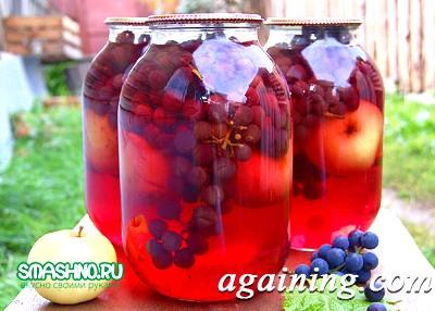 Фото: Компот з яблуками і виноградом, красивий колір, приємний смак