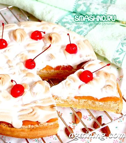 Фото: Пісочний торт з мигдалем і абрикосами