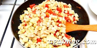 Фото: Баклажани з помідорами