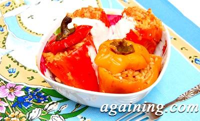 Фото: Перець, фарширований рисом та овочами