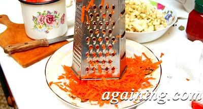 Фото: Морквину натер на крупній тертці