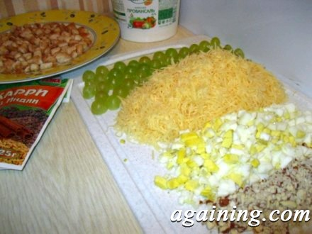 Фото: Підготовлені інгредієнти салату