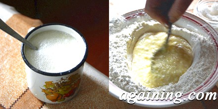 Фото: Гасимо соду і додаємо кефір в муку