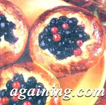 Фото: Дріжджові ватрушки з ягодами