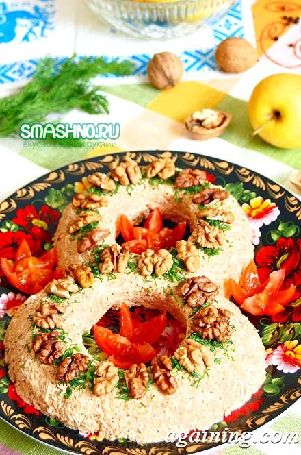 Фото: Курячий салат з горіхами, фото.